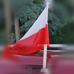 Flaga Polski na samochód 25 x 35 cm z uchwytem