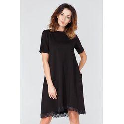 Czarna Sukienka w Kształcie Litery