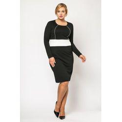 Klasyczna Czarna Sukienka z Kontrastowym Panelem PLUS SIZE