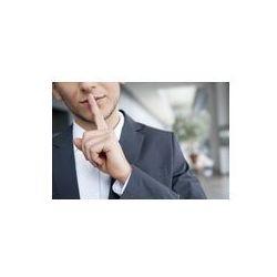 Foto naklejka samoprzylepna 100 x 100 cm - Mężczyzna w garniturze kładzie palec na ustach